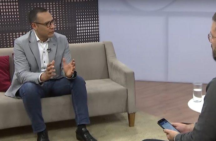 Entrevista a Carlos Mendoza en Re-ligare Brasil sobre pensamiento decolonial